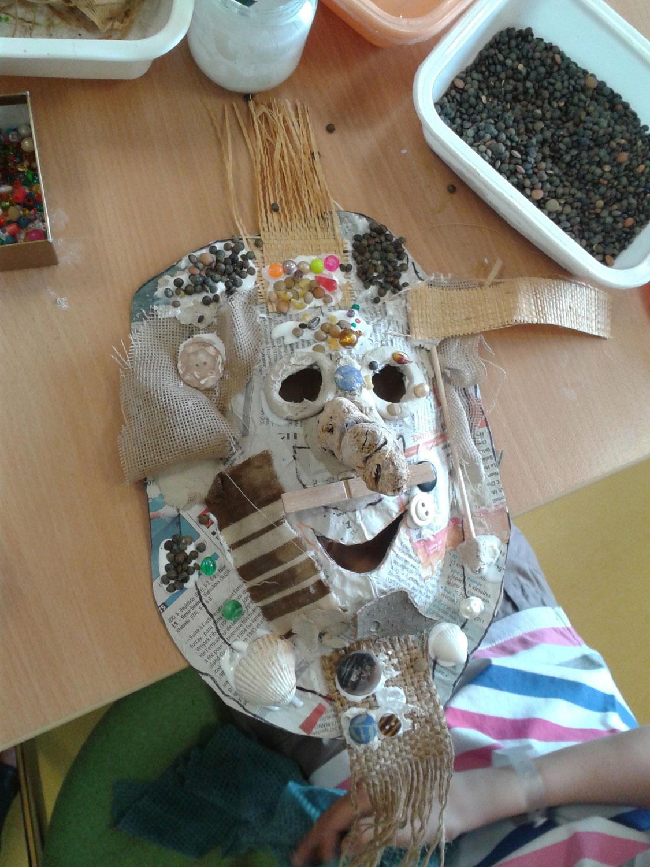 Masque artiste plasticienne intervenant en arts visuels page 2 - Masque papier mache ...