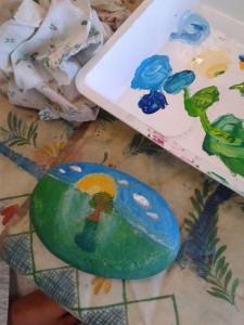 Paysage peint sur galet