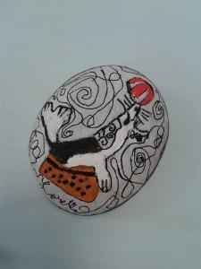 Otarie peinte sur un galet