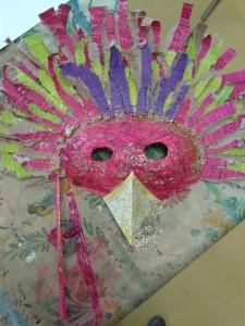 Masque d'oiseau paillettes roses