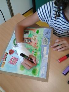Enfant qui dessine à l'hôpital