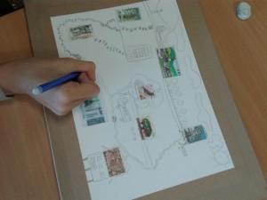 Inventer à partir de timbres collés