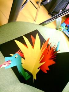 Dragon en papiers colorés