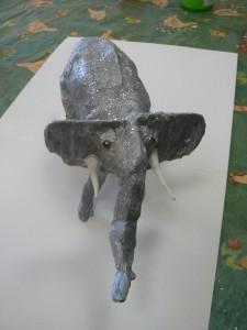 Eléphant en plâtre