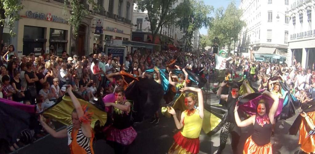 Défilé de la biennale de la danse de Lyon 2014