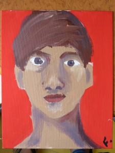 Autoportrait de jeune homme sur fond rouge
