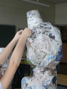 Tête en papier mâché