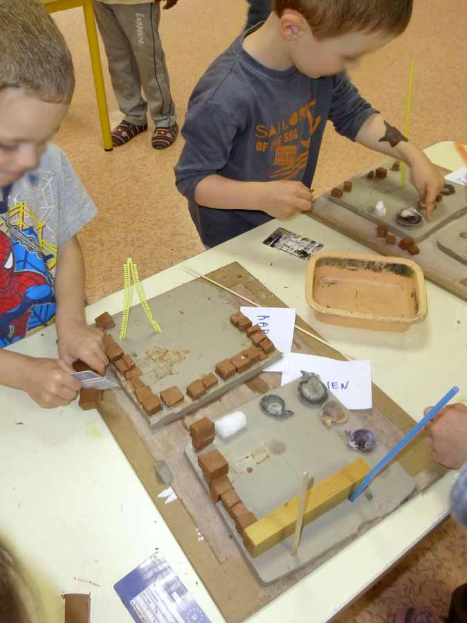 Construire b tir fabriquer l cole maternelle - Fabriquer une maison a insecte ...
