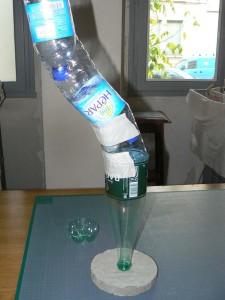 Socle et bouteilles