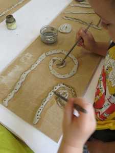 Peinture des colombins d'argile