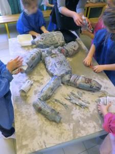 Atelier sculpture à la maternelle