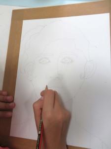 Dessiner son visage au crayon à papier