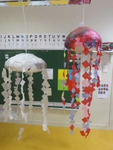 Méduses volantes en papier de soie