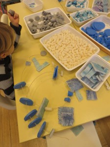 La table des camaïeux de bleus
