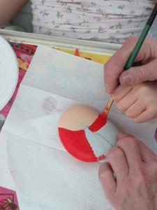 Peinture rouge sur galet