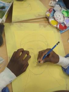 Dessin au crayon sur un fond à la peinture acrylique