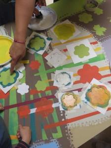 Peindre avec des pochoirs