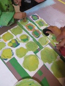 Peindre par dessus les pochoirs