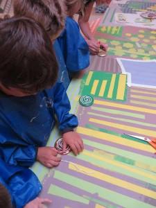 Fabrication de tampons à la maternelle