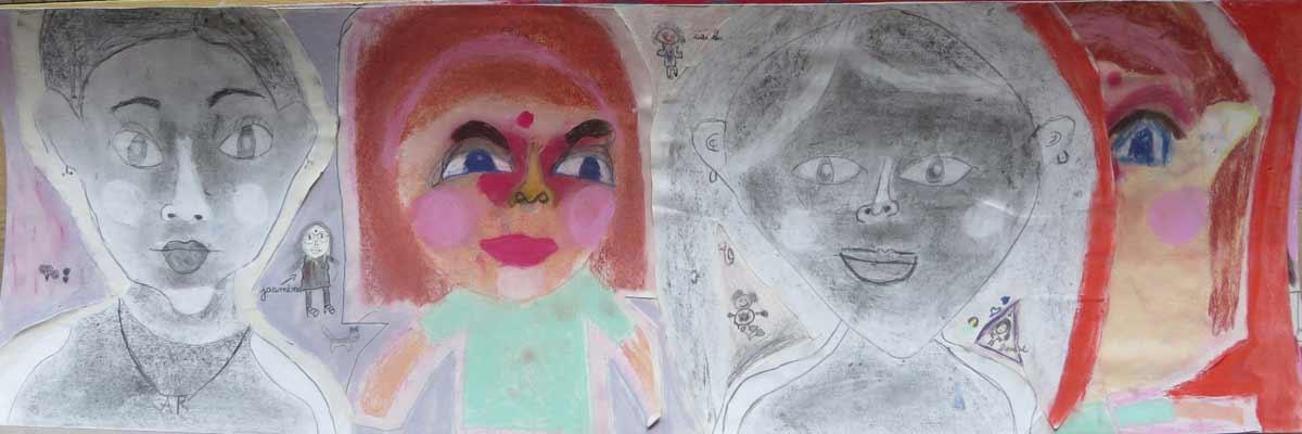 Auto portraits d'enfants à l'école primaire