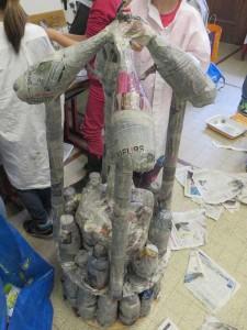 Structure de la tour en bouteilles