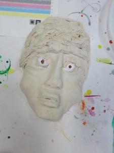 Masque en argile blanche