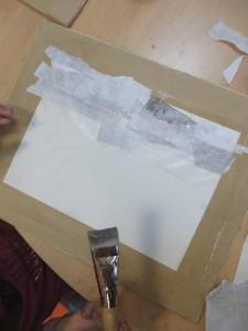 Collage de papiers gris