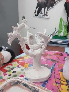 Petit arbre en plâtre