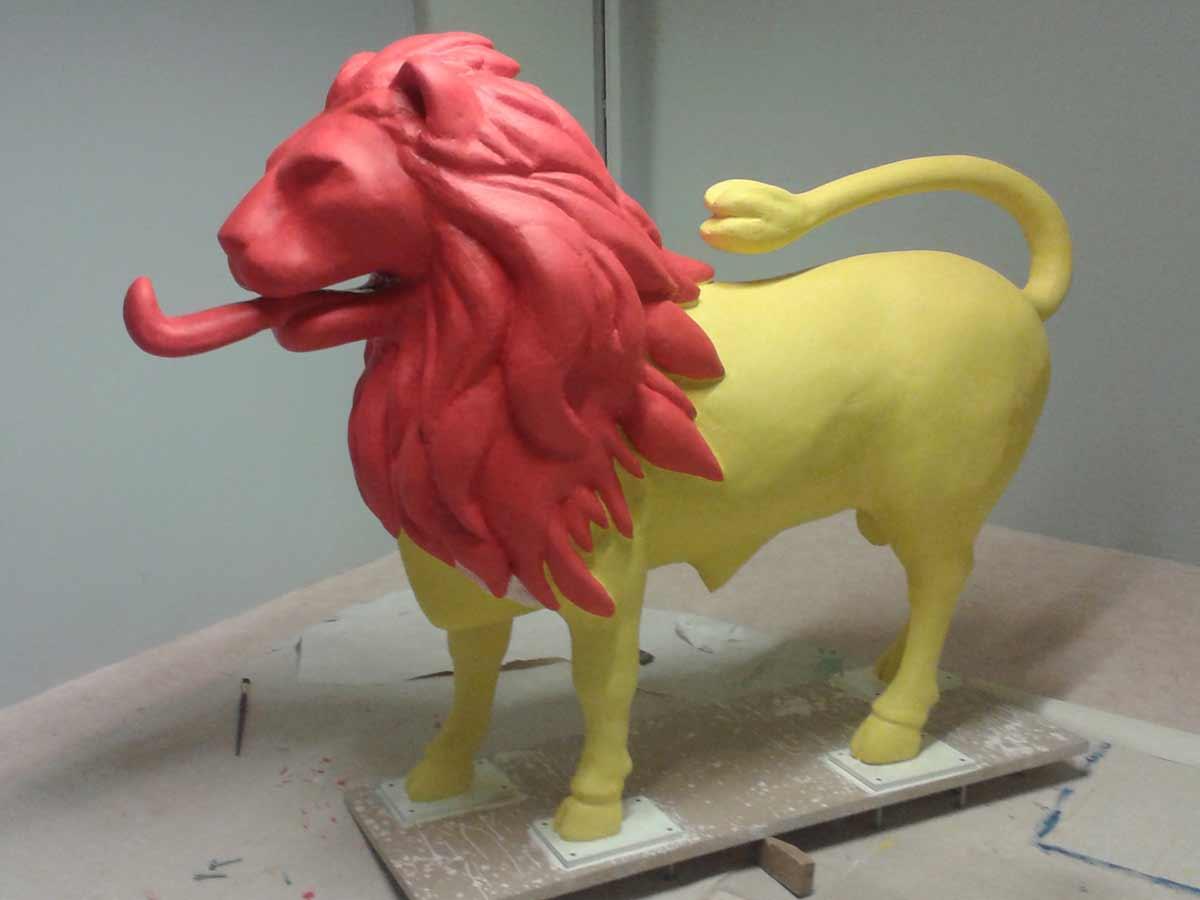 La tête du taulion est rouge