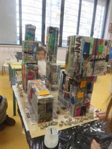 Maquette en boites et papier journal