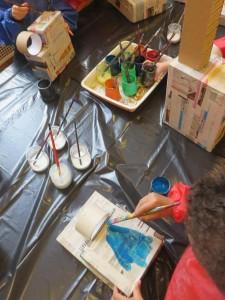 Pots de colle et encre acrylique