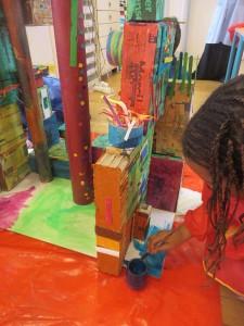 Petite fille qui peint