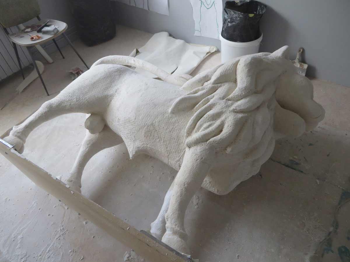 Sculpture couchée