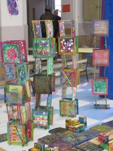 Exposition des tours colorées