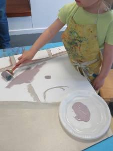 Etaler le peinture au rouleau