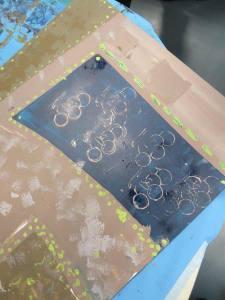 Peinture au rouleau et tampons