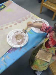 Peindre avec une éponge