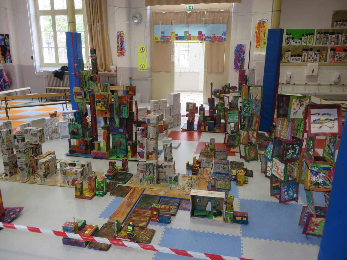 Maquette artiste plasticienne intervenant en arts visuels for Ecole du meuble