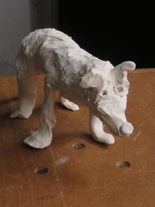 Modeler un loup en argile