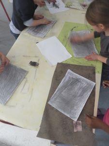 Atelier grisage de papier
