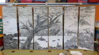 Fabrication d'une grande fresque en papiers collés