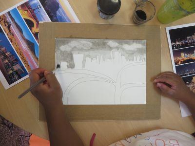 Absorber l'encre avec un mouchoir en papier pour faire apparaître les nuages