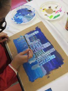 Peindre un paysage à l'acrylique