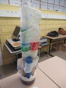 Pied en bouteilles en plastiques