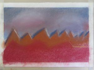 Ciel gris derrière les montagnes
