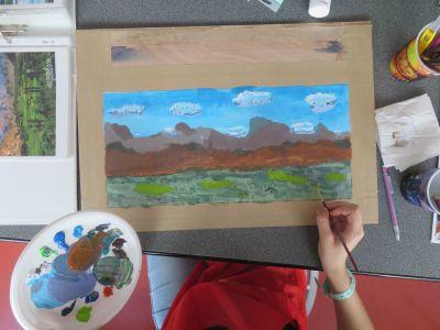 Peindre le premier plan avec différents tons de verts