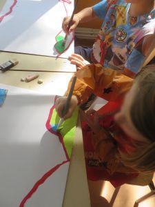 Réalisation d'une fresque par les enfants