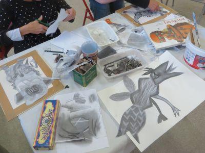 Inventer à partie de papiers grisés au crayon