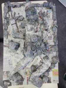 Bas-relief en papier mâché