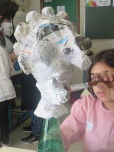 Tête de vielle femme en papier mâché